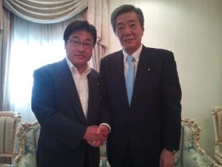竹下復興大臣(右側)